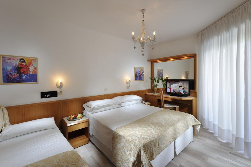 Фото Grand Hotel La Playa Италия