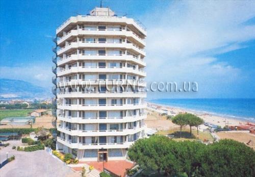 Отель Appartamenti Torre del Sole Террачина