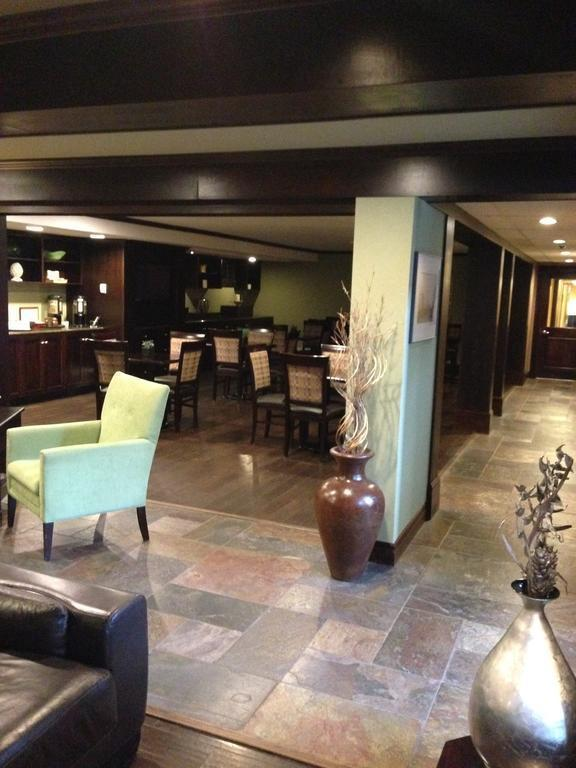 Фото The Hotel On Pownal Канада