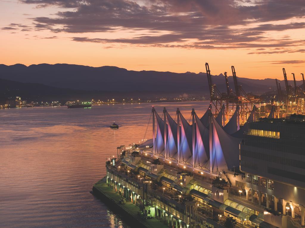 Фото Fairmont Pacific Rim Канада Ванкувер