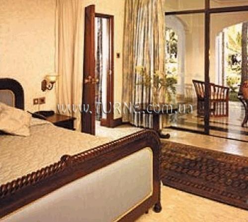 Отель Whitesands Момбаса