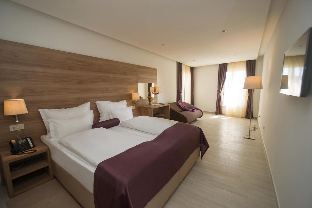 Отель Biokovo Макарска ривьера