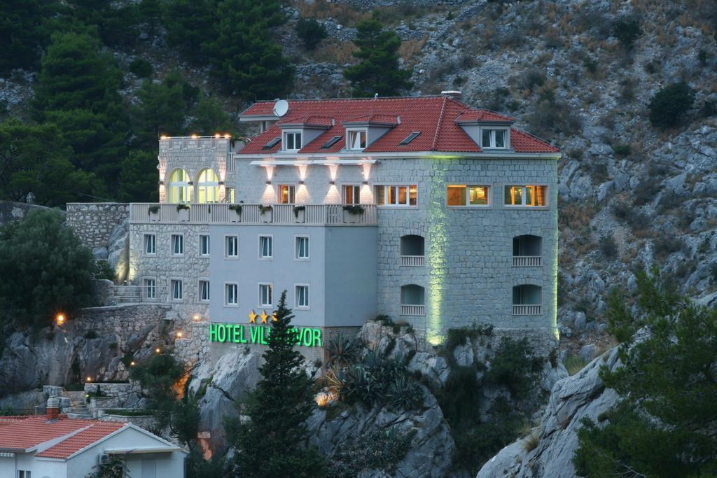 Villa Dvor Hotel