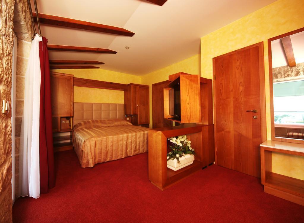 Фото Villa Dvor Hotel