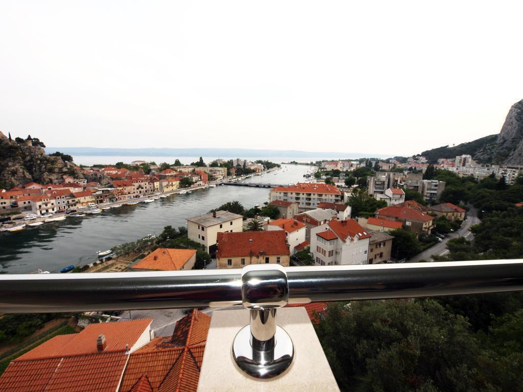 Фото Villa Dvor Hotel Омиш Pивьера