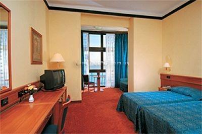 Hotel Kristal Пула