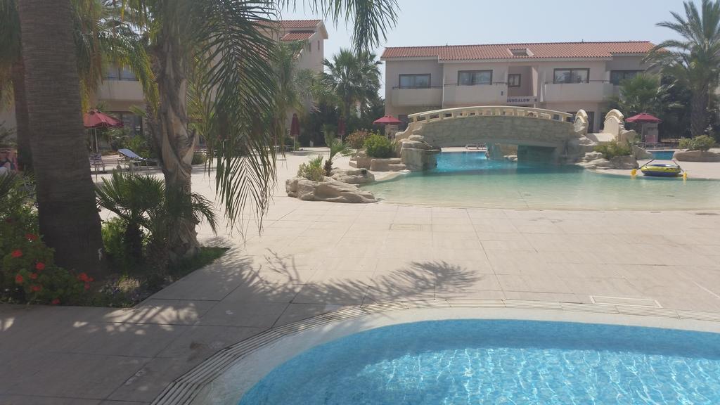 Фото Crown Resorts Henipa Кипр Ларнака