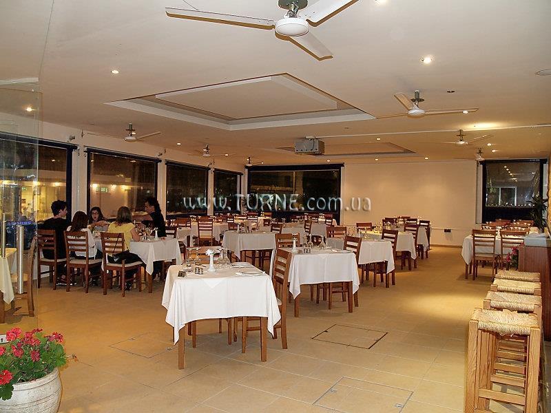 Отель Daphne Hotel Пафос