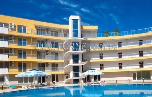 Отель Bay View Hotel Apartments Полис