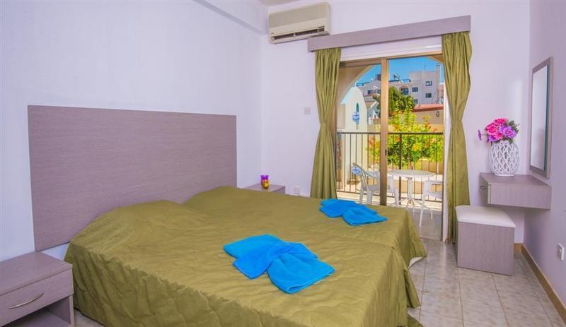 Фото Windmills Hotel Apartments Кипр