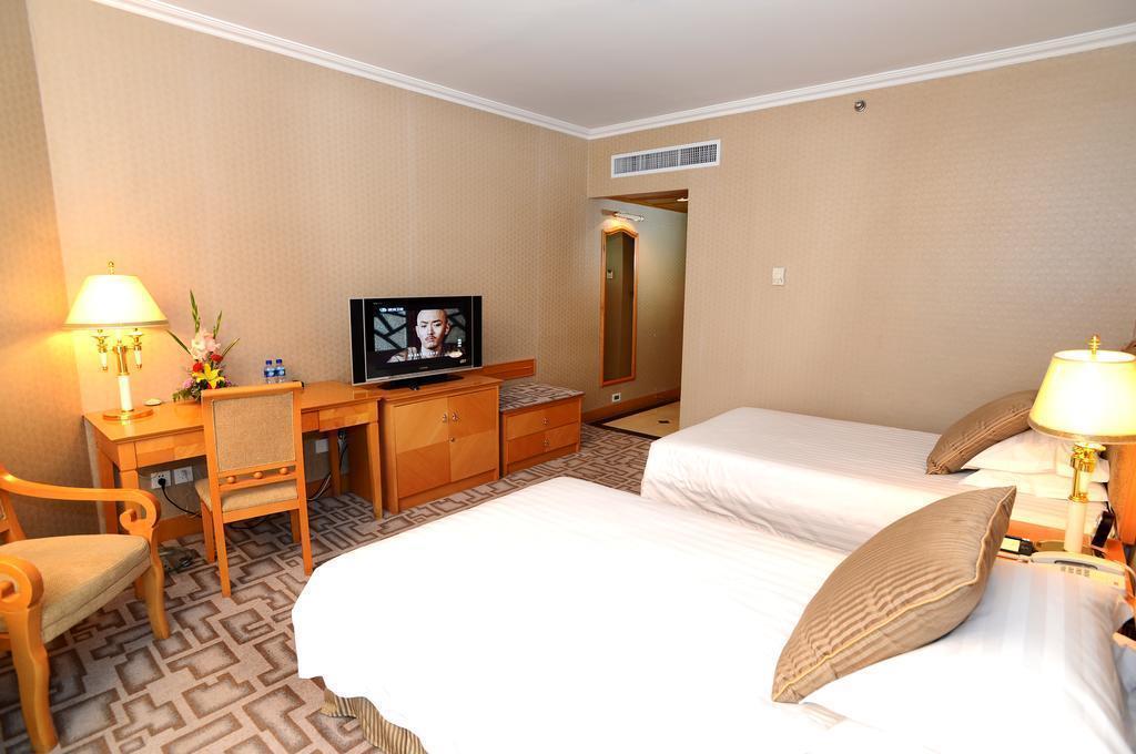 Фото Xiyuan Hotel Пекин