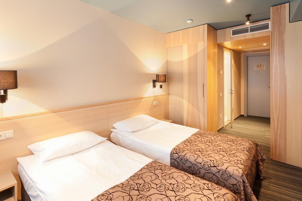 Фото Hotel Ibis Styles Riga Латвия