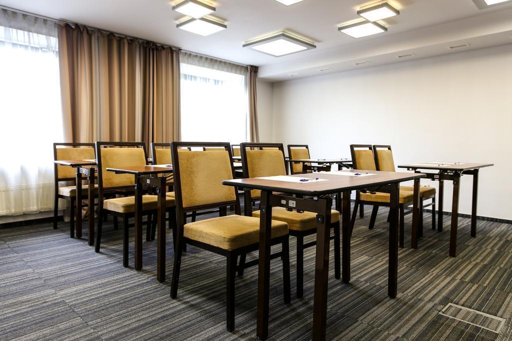 Отель Hotel Ibis Styles Riga Рига