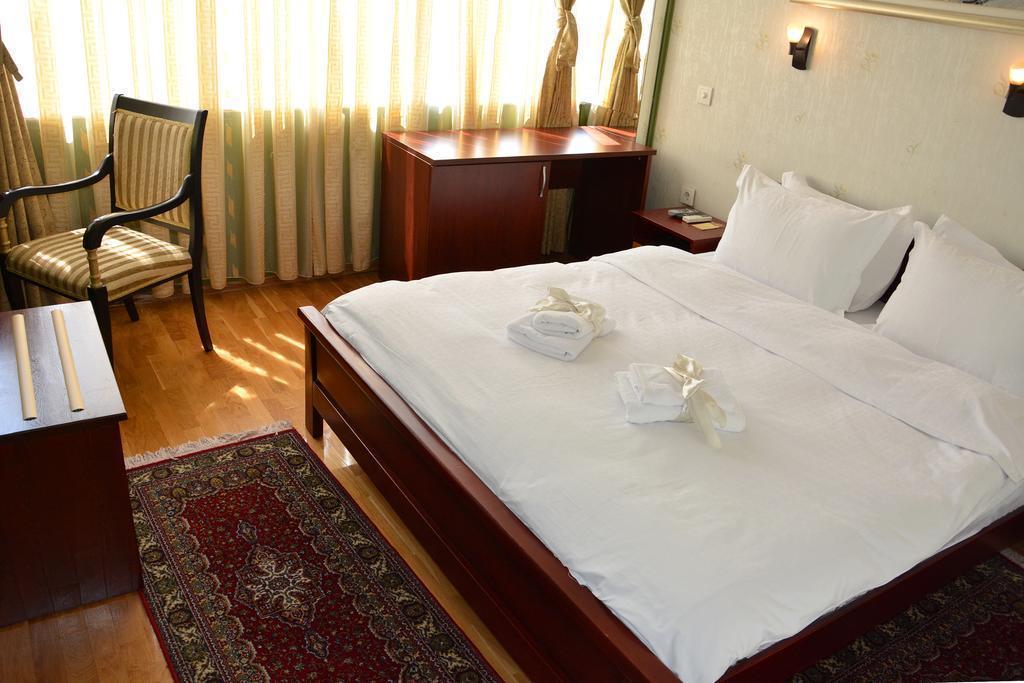 Отель Super 8 Hotel Скопье