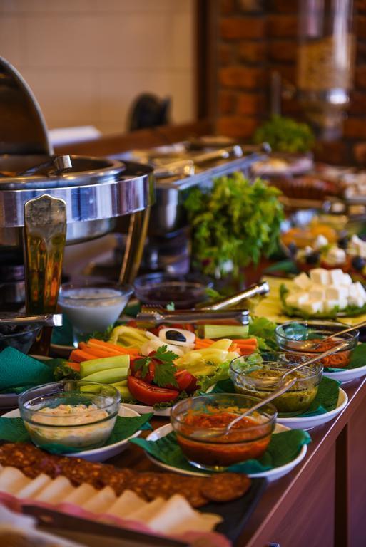Фото Super 8 Hotel Македония