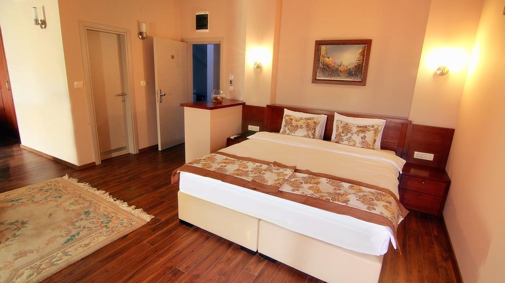 Фото Vlaho Hotel Македония