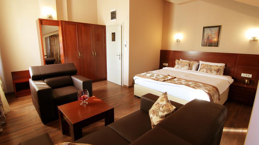 Vlaho Hotel Скопье
