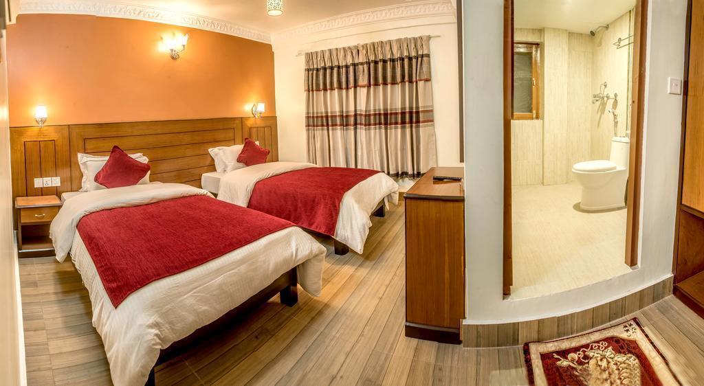 Отель The Silver Oaks Inn Непал Покхара