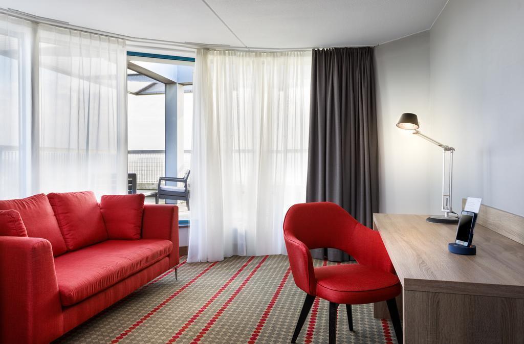 Dorint Airport Hotel Amsterdam Амстердам