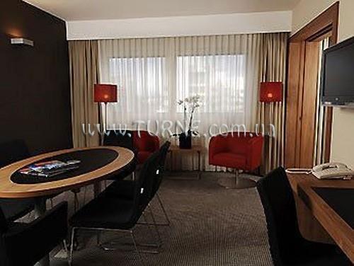 Отель Mercure Den Haag Central Гаага