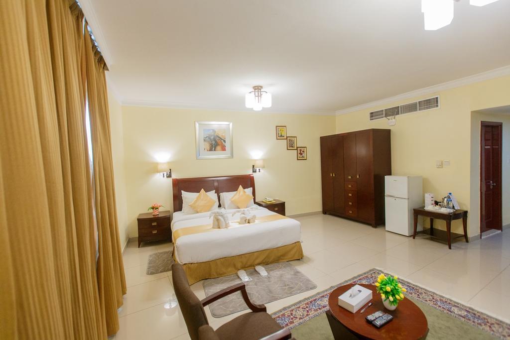 Фото Crowne Palace Hotel Ajman