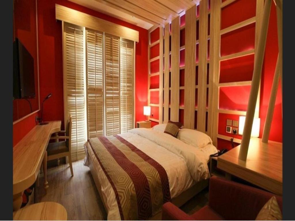 Фото Reflections Hotel 4*