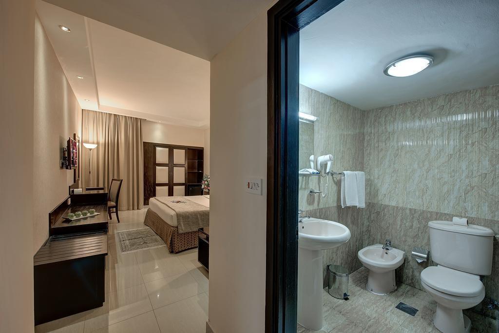 Отель Palm Beach Hotel Дубай