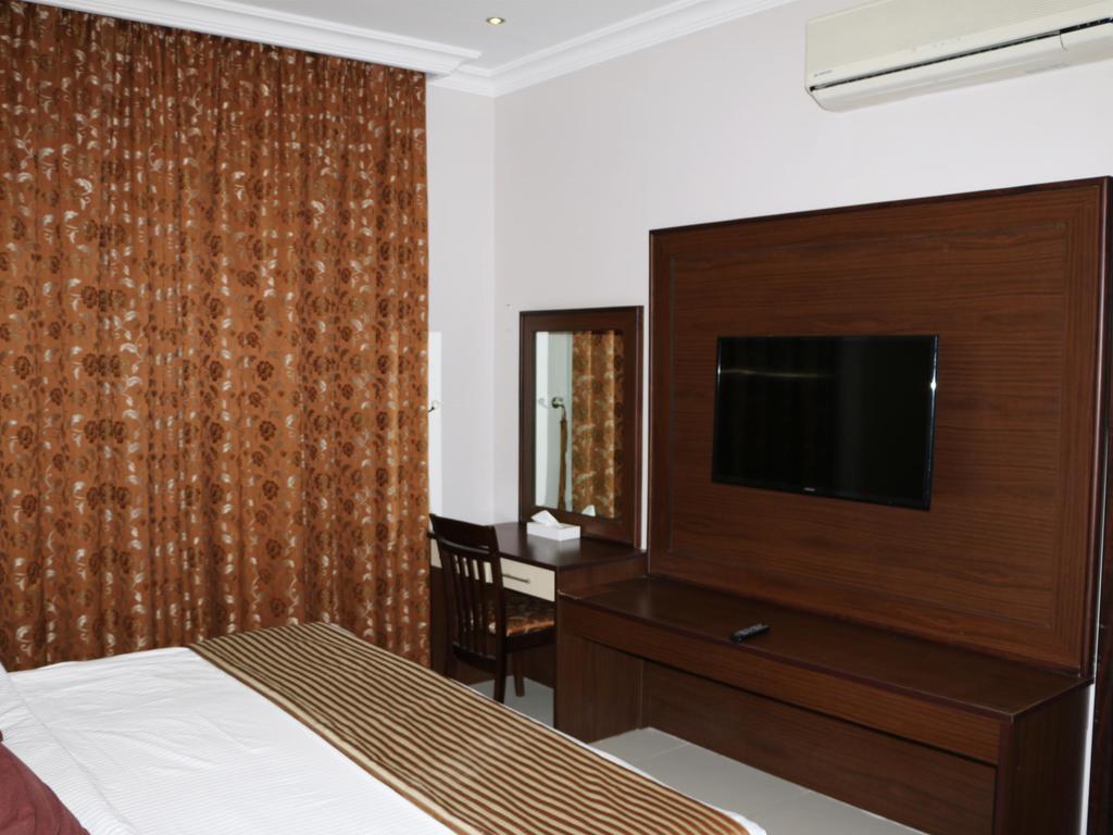 Фото Holiday Arabian Resort Дубай