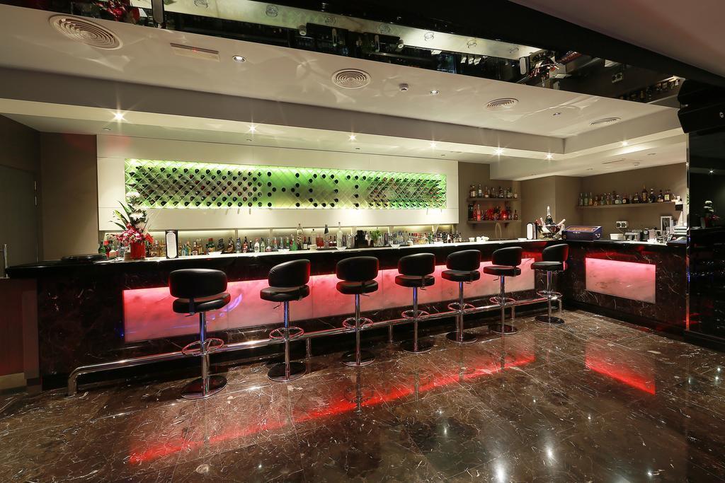 Al Khaleej Hotel Дубай