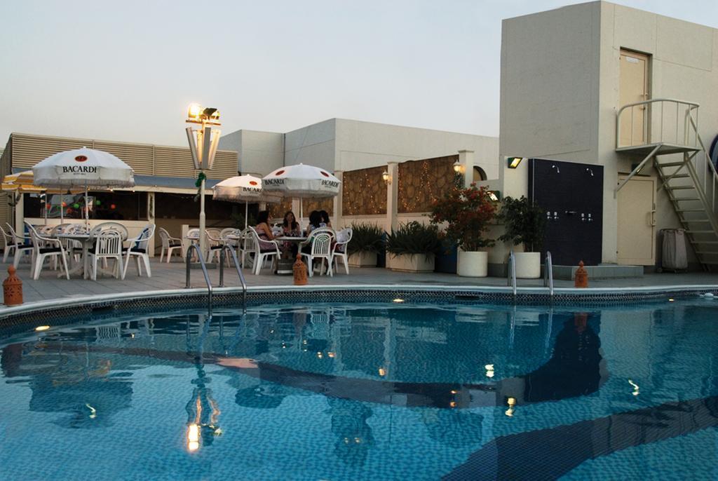Avari Dubai Hotel Дубай