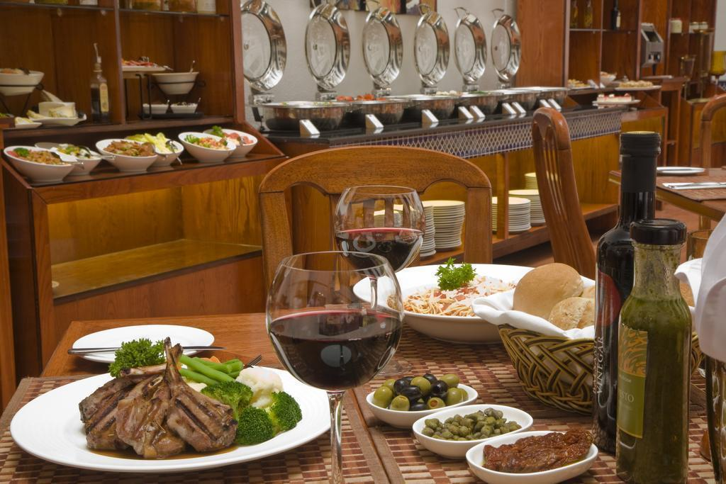Фото Avari Dubai Hotel Дубай