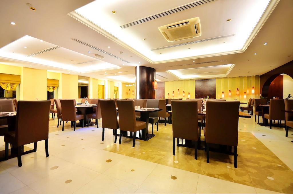 Фото Summit Hotel Deira (ex. Hallmark Hotel) 4*