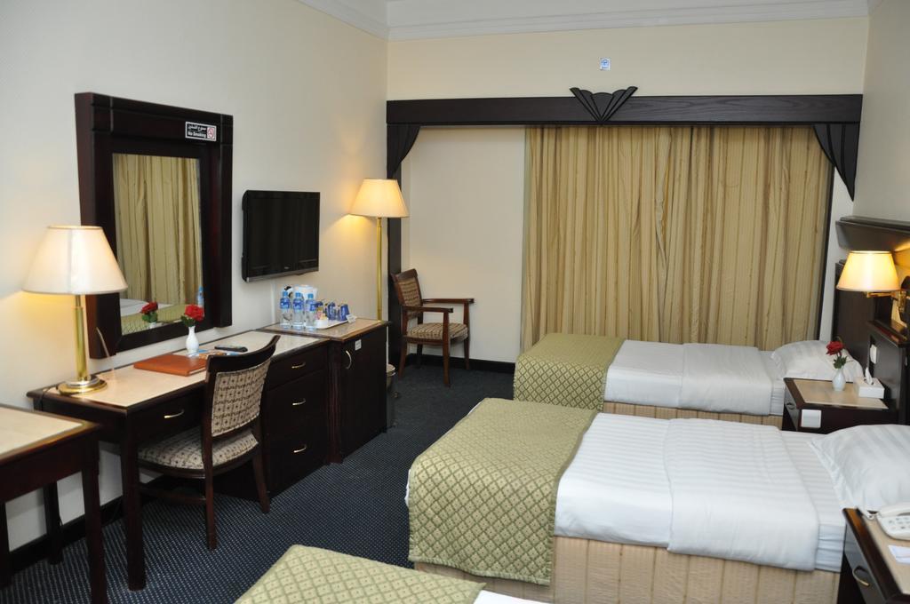 Фото Claridge Hotel 3*