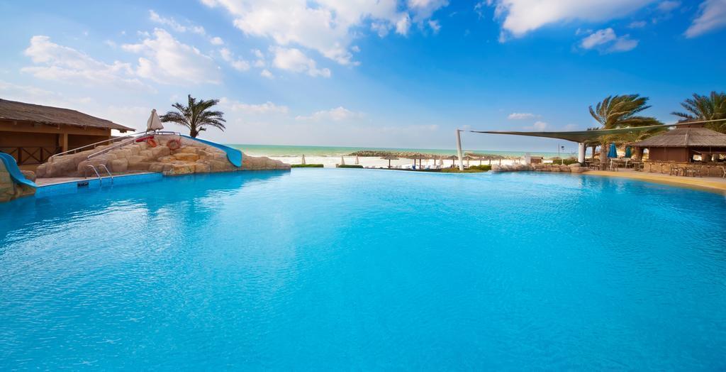 Coral Beach Resort Шарджа