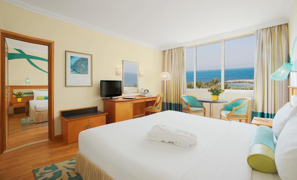 Фото Coral Beach Resort Шарджа