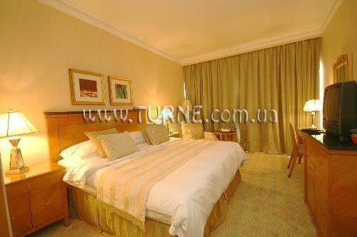 Отель Golden Tulip Seeb Маскат