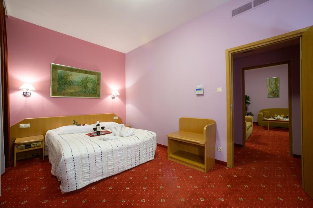 Отель Orient Hotel Польша Краков