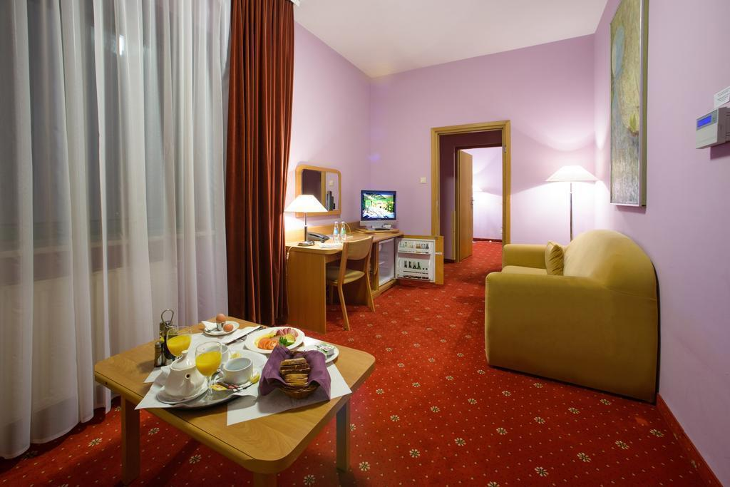 Отель Orient Hotel Краков