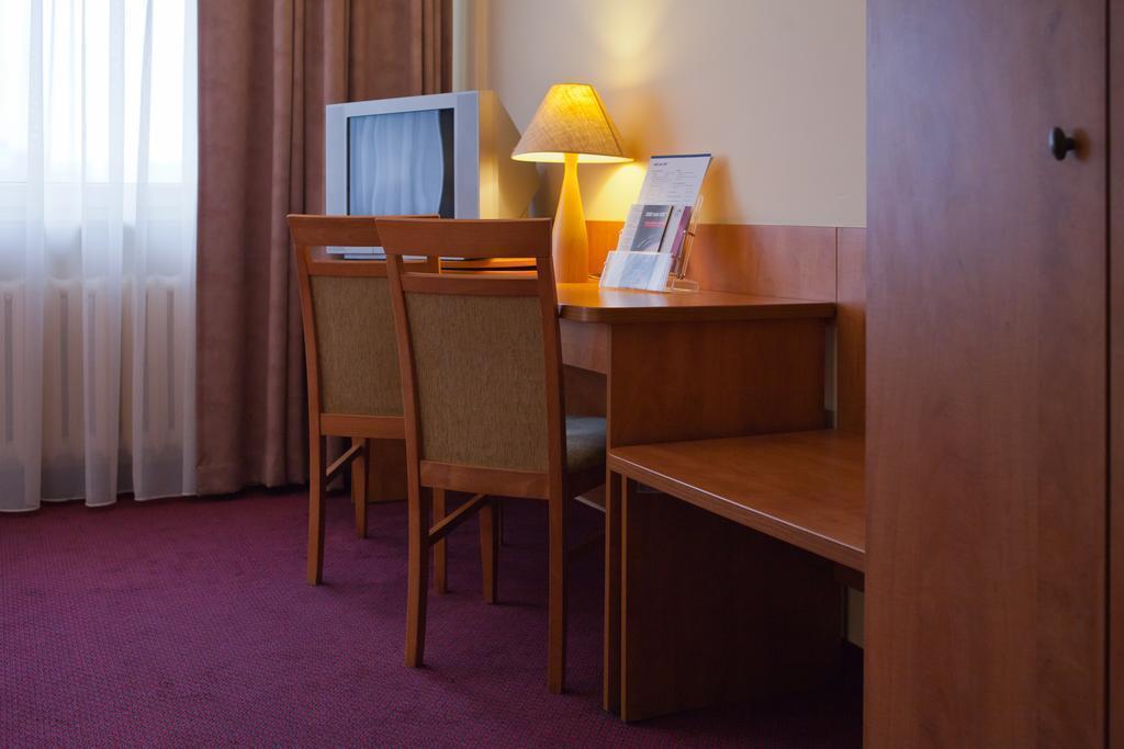 Отель Atos Варшава