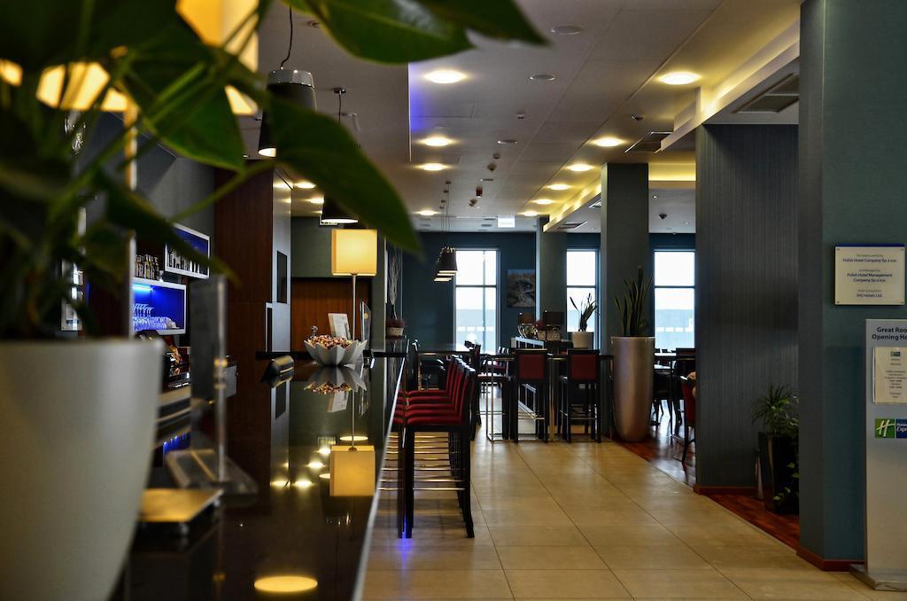 Фото Holiday Inn Express Warsaw Airport Варшава