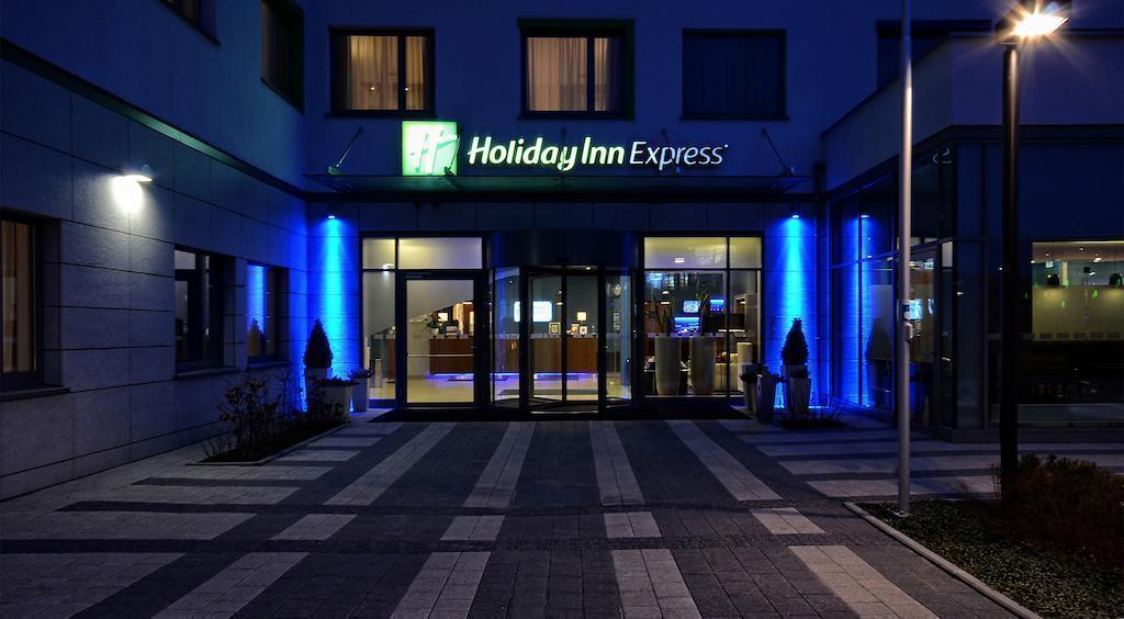 Фото Holiday Inn Express Warsaw Airport Польша