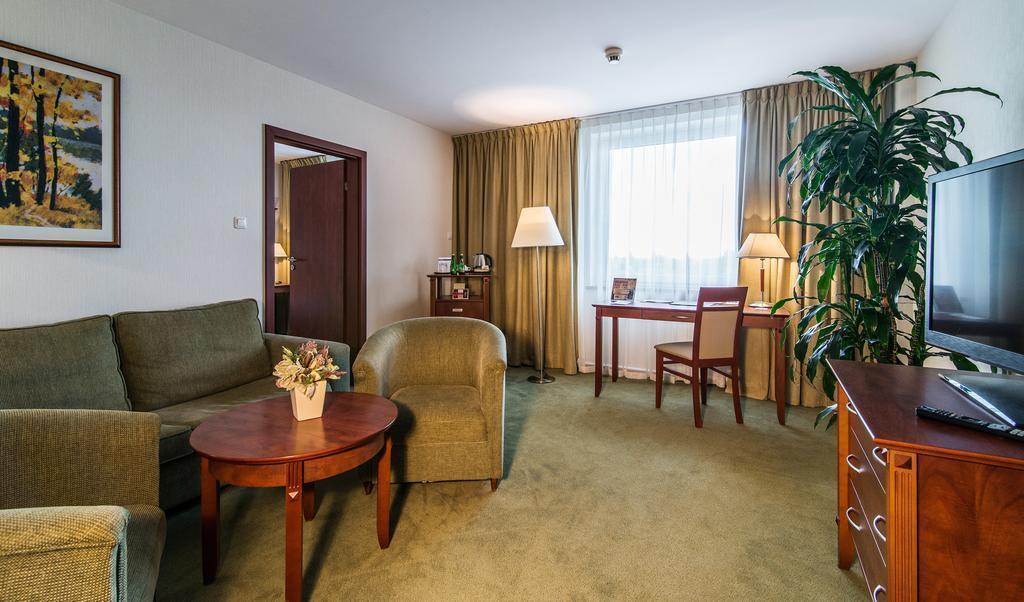Отель Airport Hotel Okecie Варшава