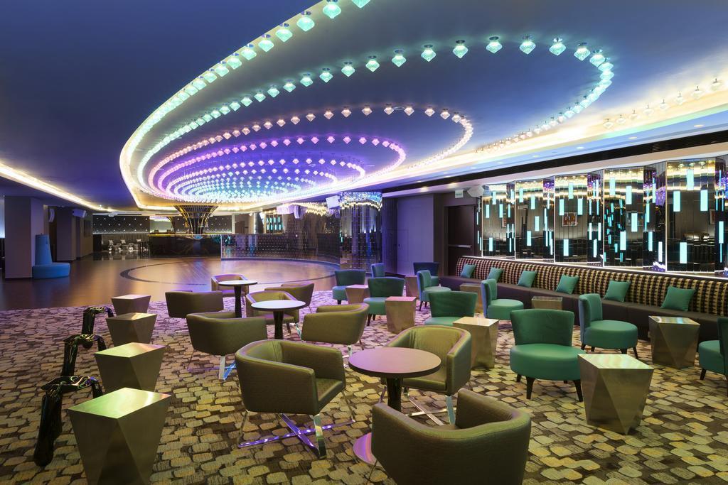 Фото Doubletree By Hilton Hotel & Conference Centre Польша