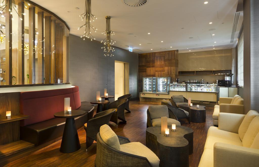 Отель Doubletree By Hilton Hotel & Conference Centre Варшава