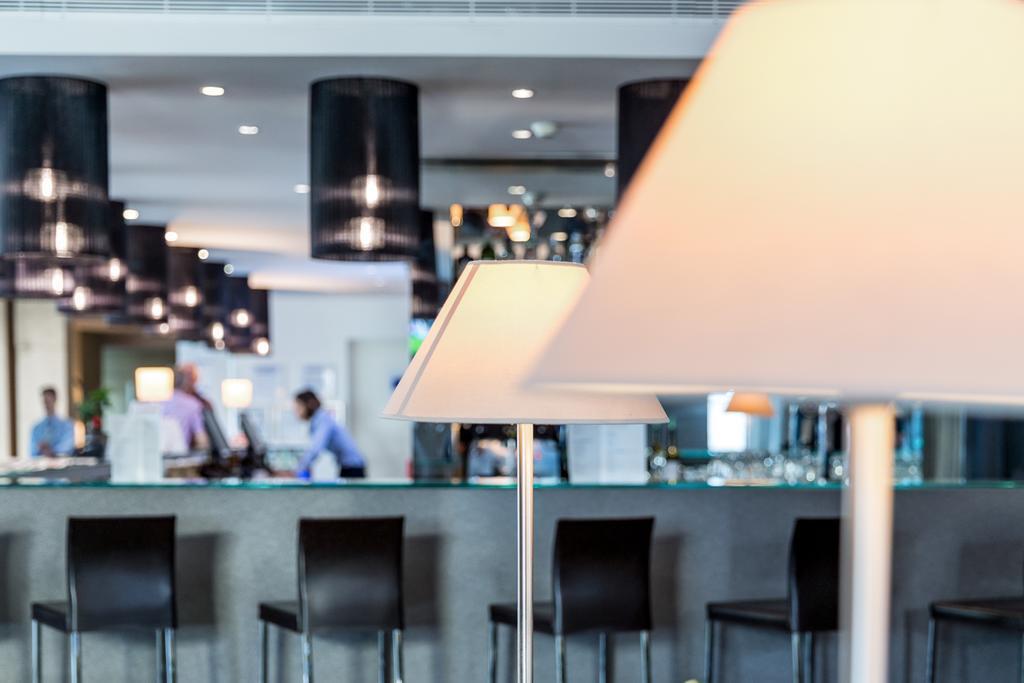 Фото Holiday Inn Express Lisbon Airport