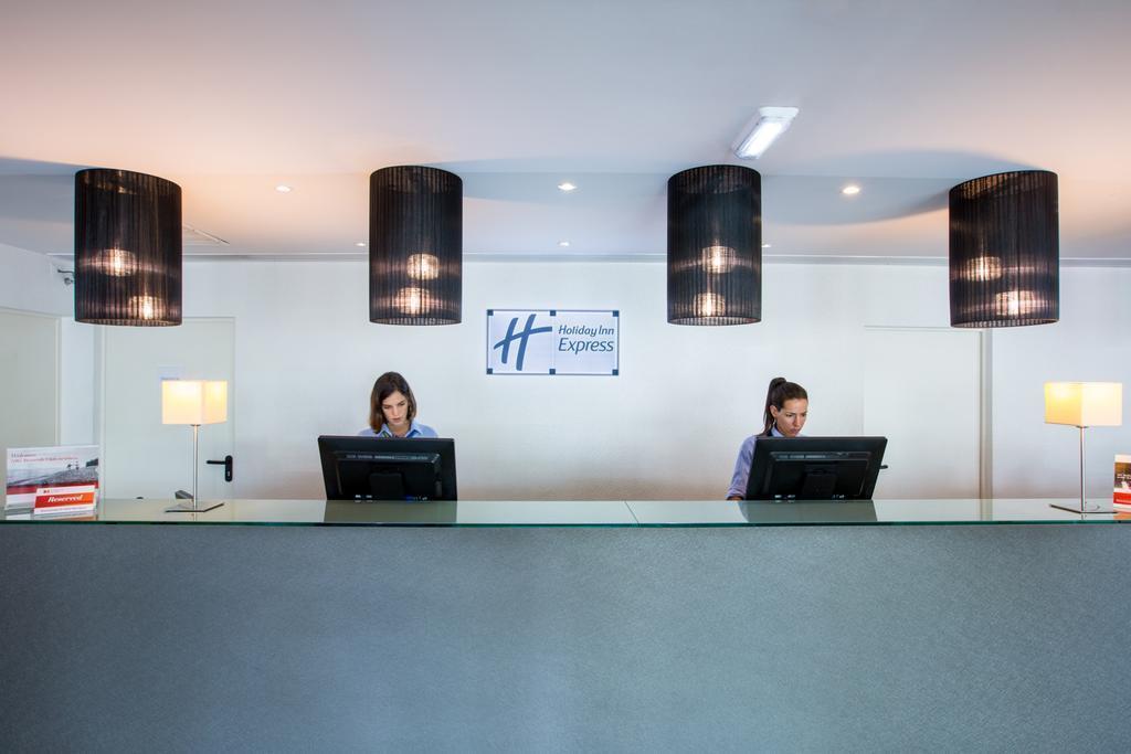 Фото Holiday Inn Express Lisbon Airport Португалия