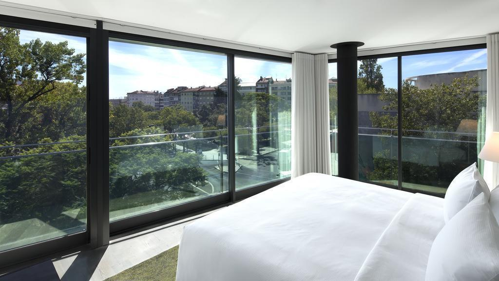 Отель DoubleTree by Hilton Lisbon Fontana Park Лиссабон