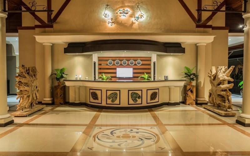 Фото The Oasis Hotel, Restaurant & Spa 3*