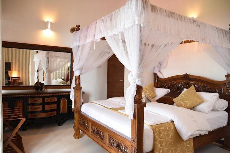 White Villa Resort Ахангама