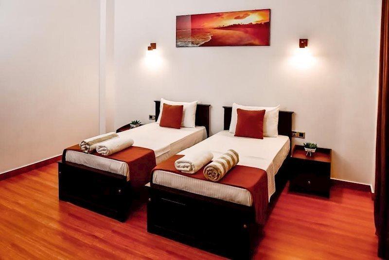 Отель Bounty Hotel Амбалангода